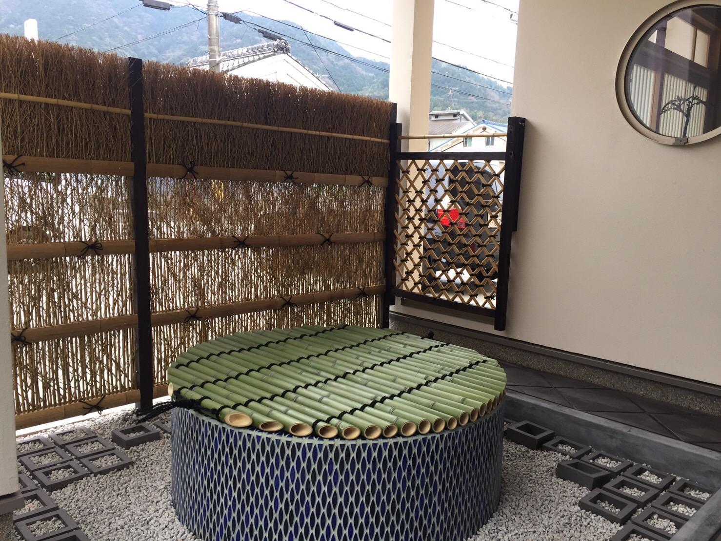 井戸の蓋を竹で制作