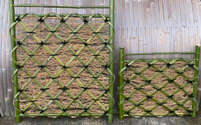 枝折戸(しおりど)最近人気急上昇の竹垣です。