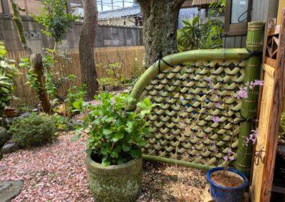 庭を竹垣でアップグレードI青竹光悦寺垣